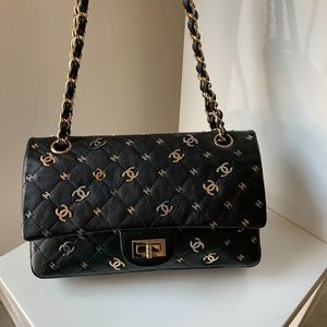 Auth CHANEL Limited Edition CC Charms Reissue 2.55
